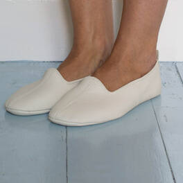 SALE<br>house slippers