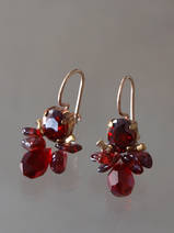 earrings Bee dark red crystal and garnet