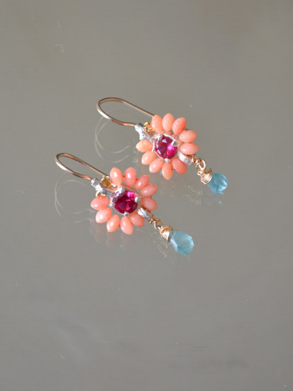 earrings Flower small coral and fuchsia crystal