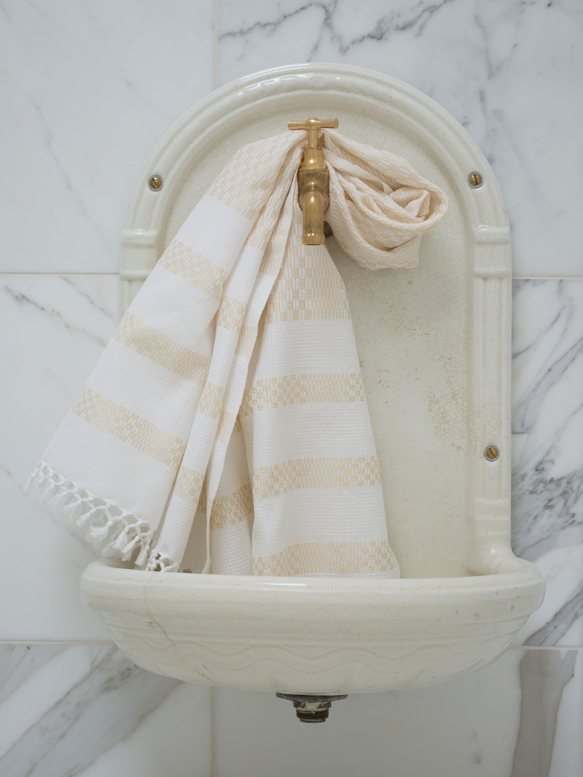 towel gold