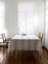 table cloth with fringe