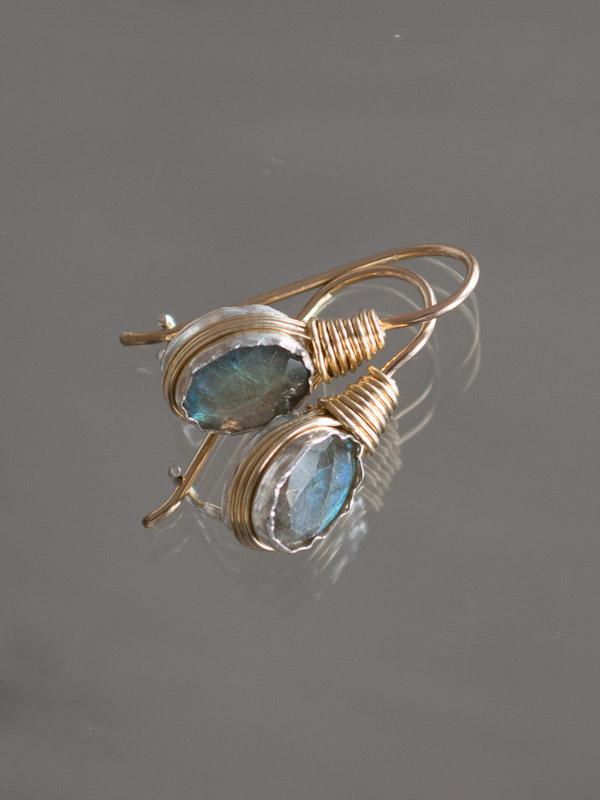 earrings Wire mini oval, labradorite