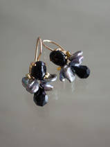 earrings Bee black onyx, dark pearls