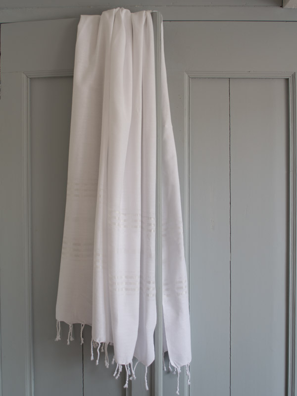 hammam towel white shiny stripes