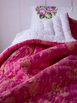 guilted bedspread pink with yellow