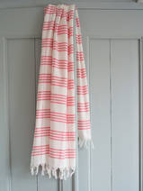 fouta à carreaux rose bonbon