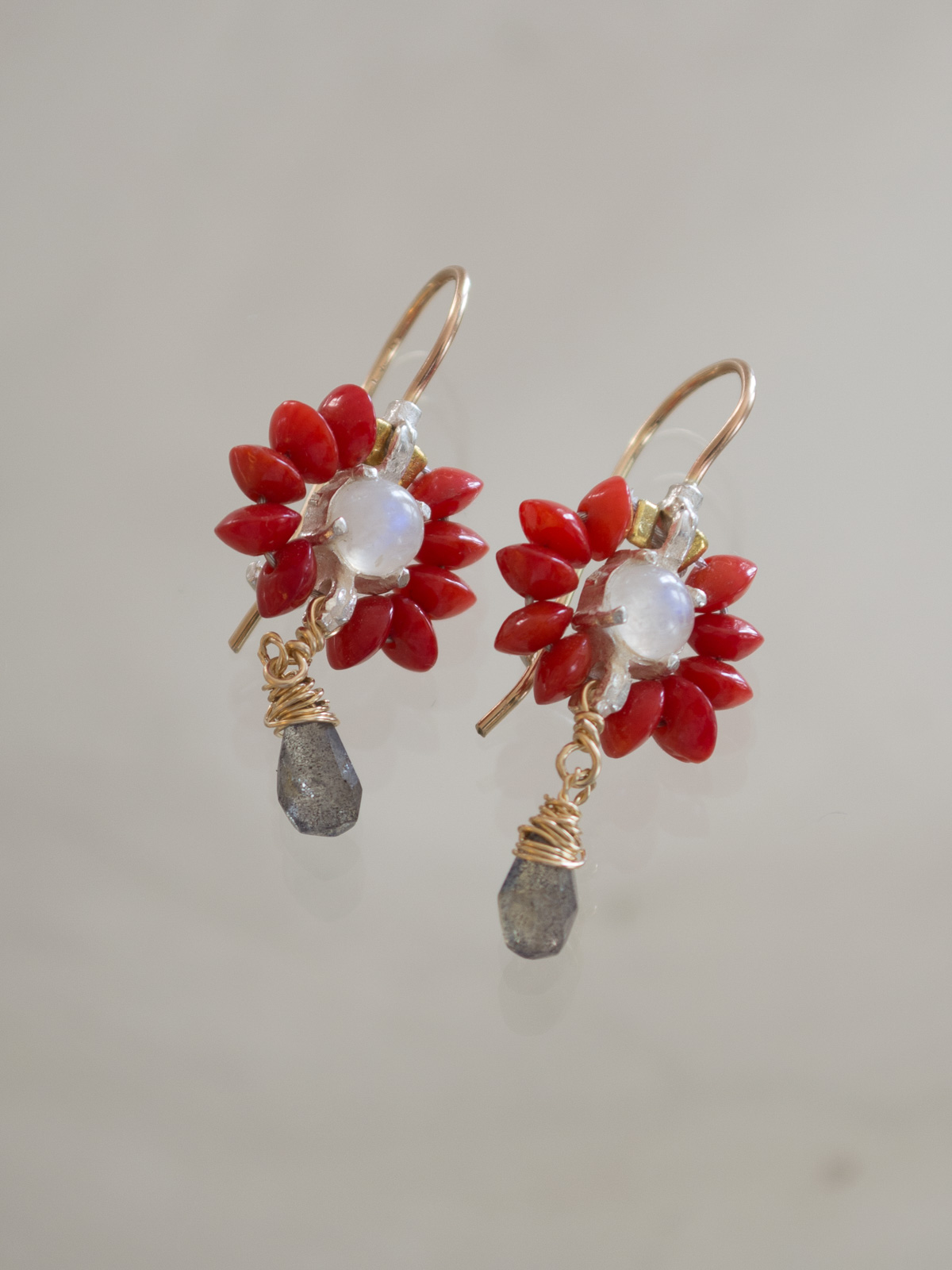 earrings Flower mini, coral and labradorite