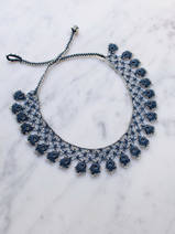 collier en crochet Feathers