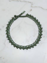 collier en crochet Leaves