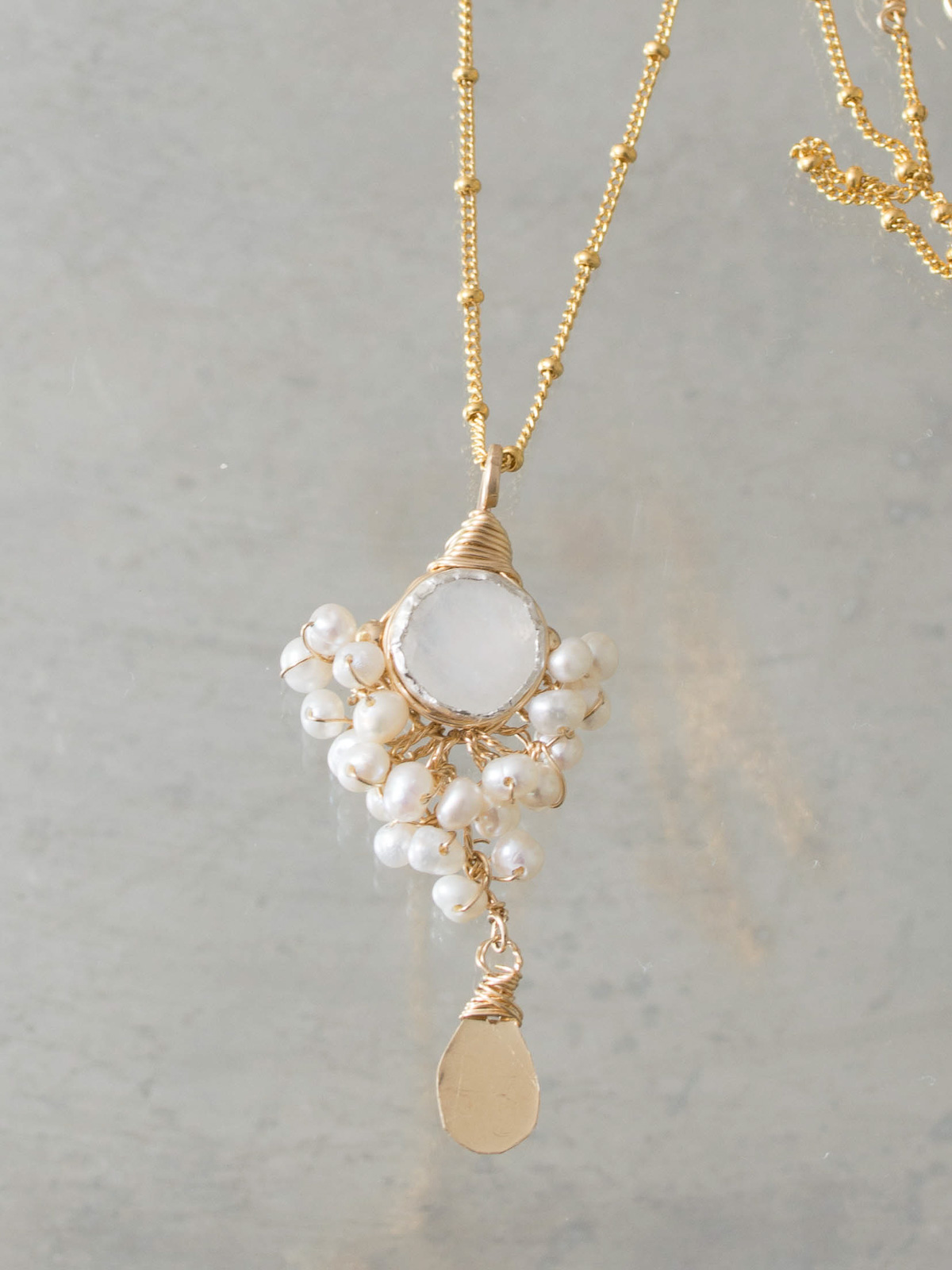 necklace Goddess moonstone and pearls