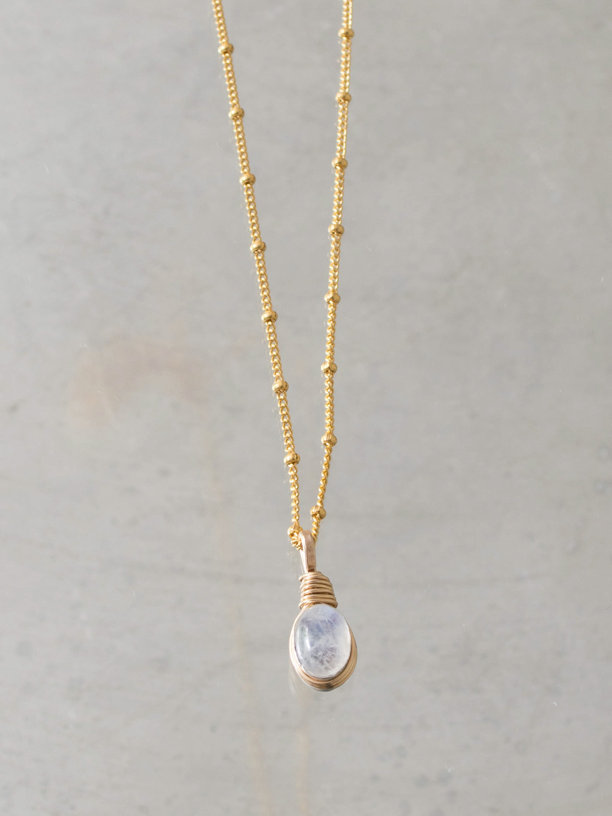 necklace Wire small moonstone