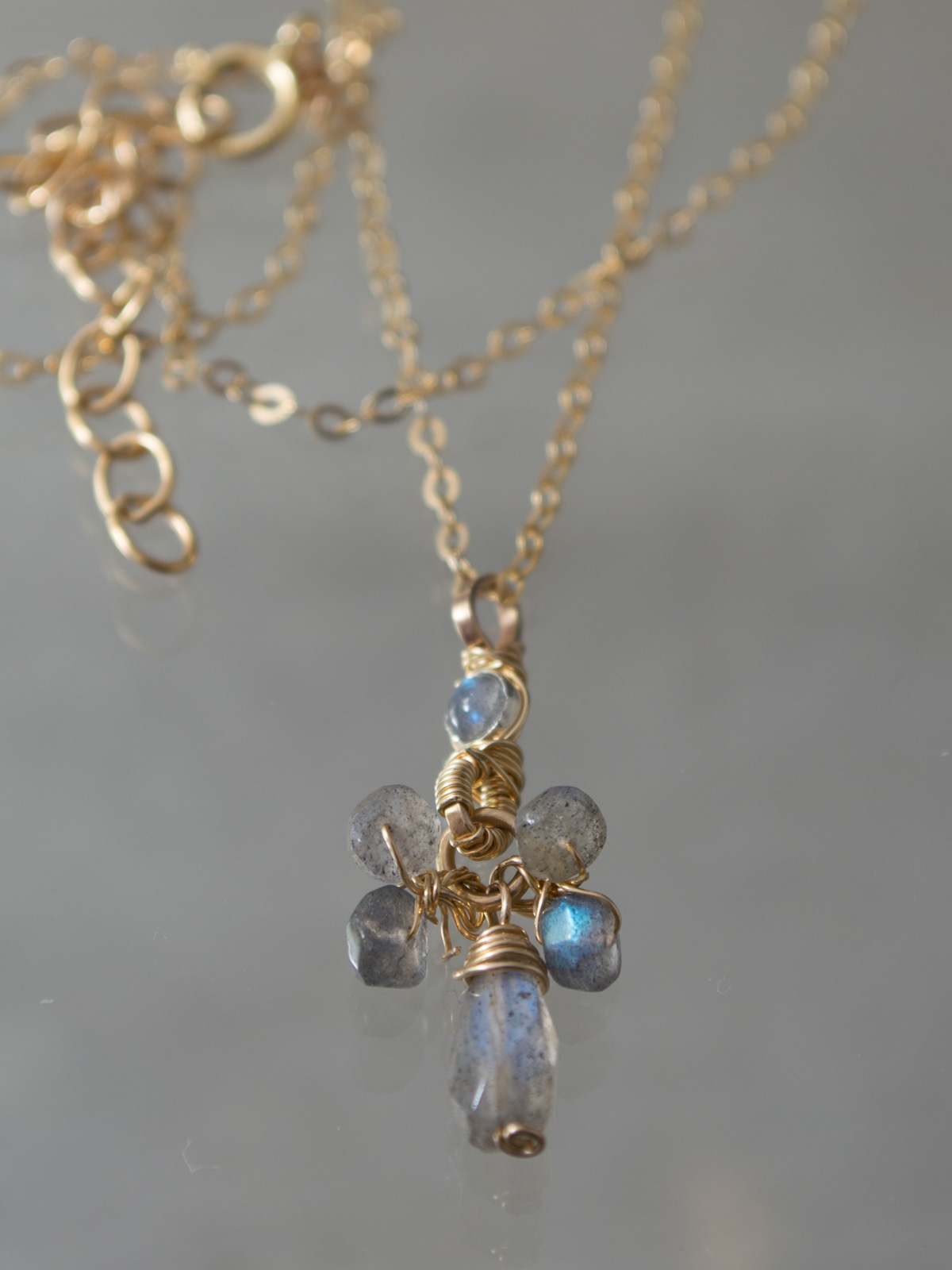 necklace Small Cluster labradorite