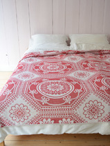 bedspread with flower pattern Karo, bordeaux