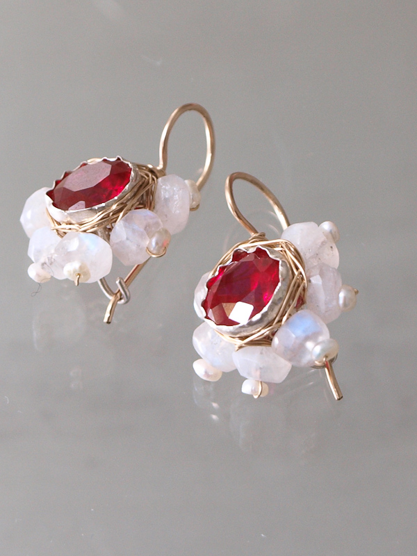 earrings Flower red crystal and moonstone