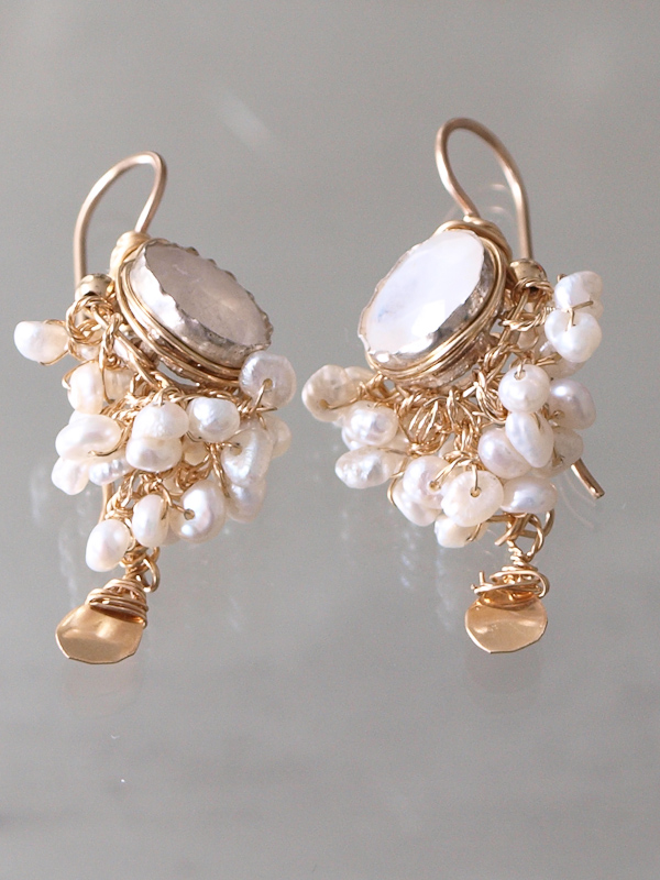 earrings Goddess moonstone and pearls