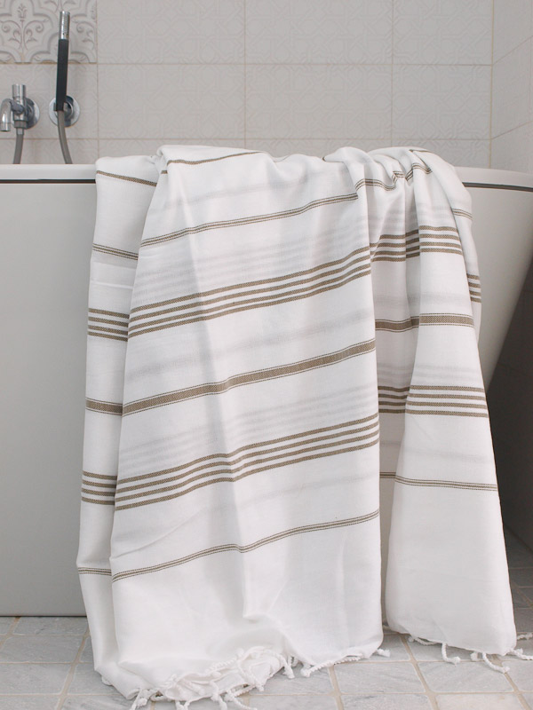 hammam towel white/olive green