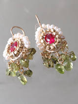earrings Ethnic fuchsia crystal and peridot